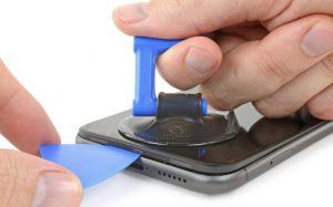 iPhone 11 Ekran Değişimi Adım 4