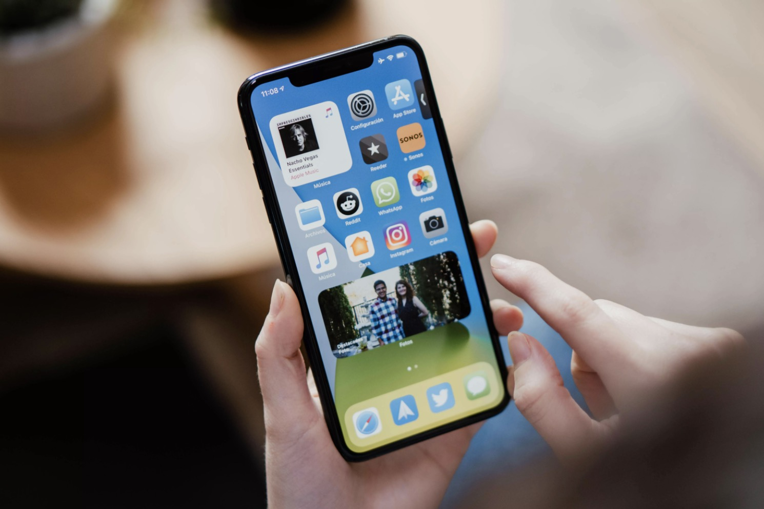 iphone 12 elden görüntü